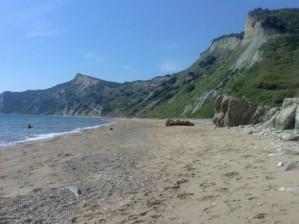 Пляж Аспрокавос в Лефкими